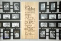Galeria Ścienna bycie Rodziną 24