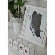 Drewniany świecznik z napisem Home